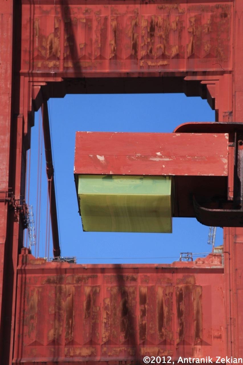 les lampes et les tours art déco du Golden Gate