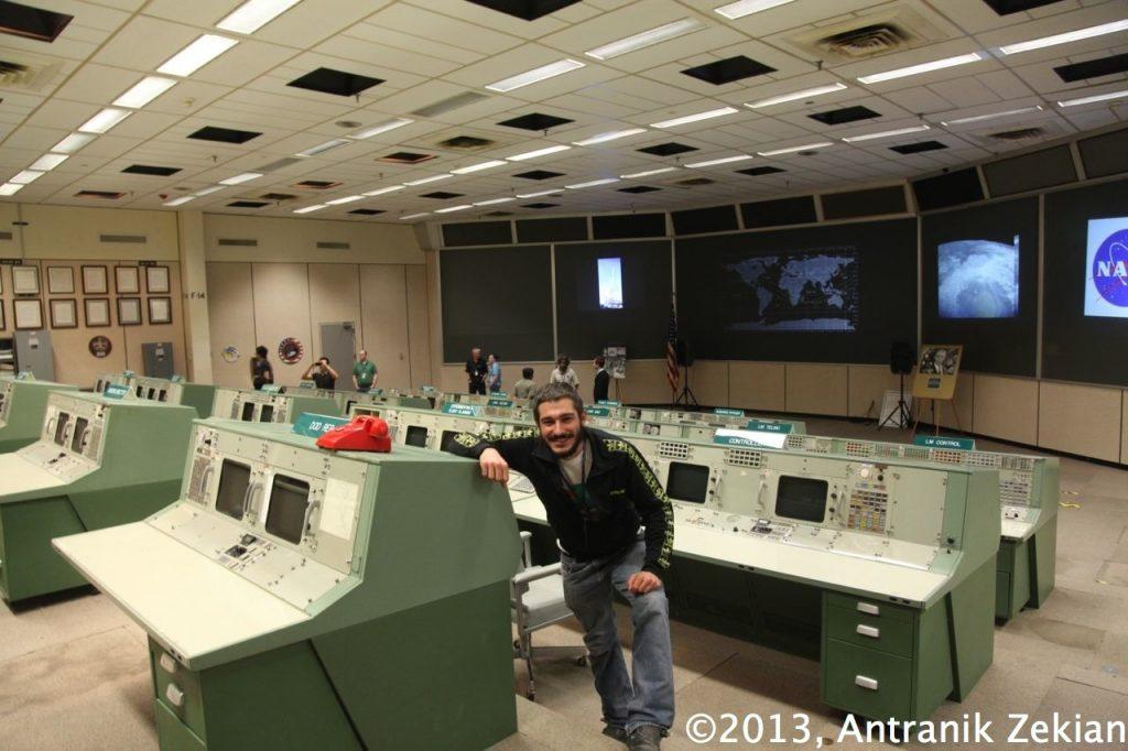 la salle de contrôle des missions Apollo qui ont permis d'envoyer des premiers hommes sur la lune