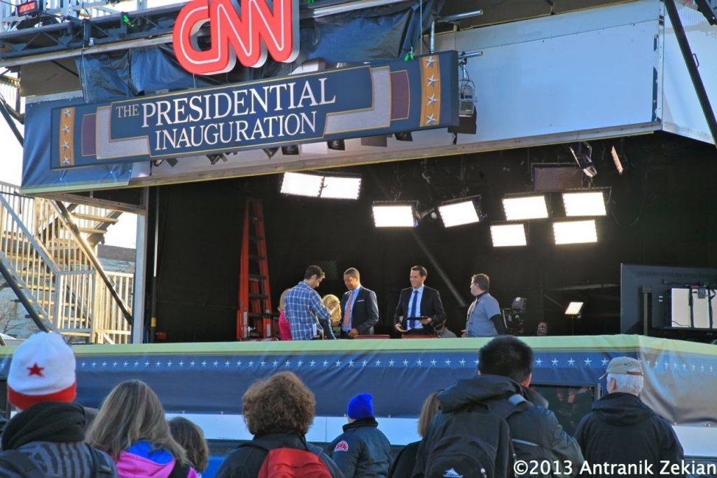 le studio temporaire de CNN installé sur le mall