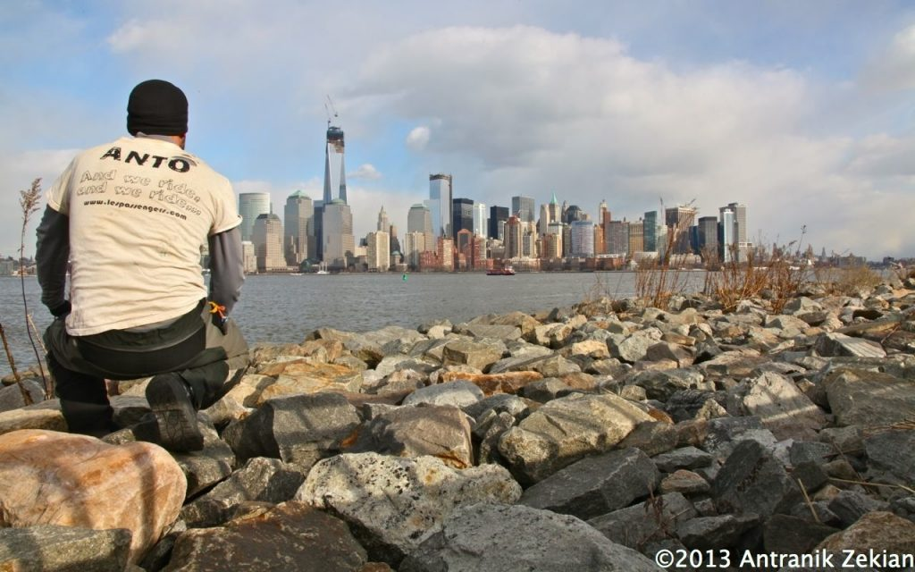 la skyline de New York juste en face de moi. Il m'aura fallu 2,5 ans et 92000km pour arriver là...